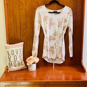 Maternity floral long sleeve blouse. Medium